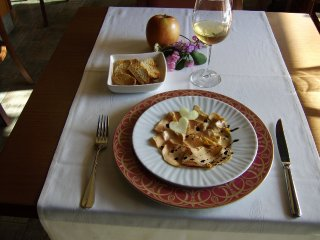 Foie macerado con pimienta , sal maldo y fideos de manzana (San Valentín 2011)